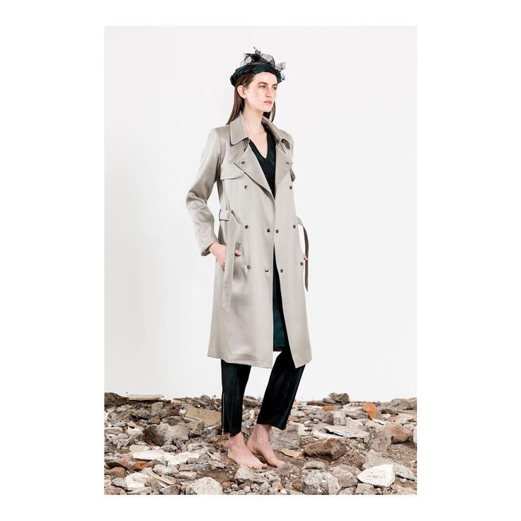 CIHUAH SS18  C36#12 TRENCH  Zona MACO outfit ideas