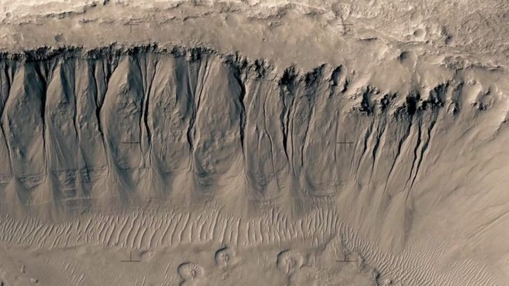 A tour of Mars assembled from NASA images reveals a wondrous but uninviting planet