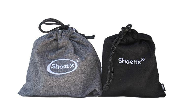 Voici la nouvelle pochette de la Shoette Mini ! Noire, plus fine, plus élégante !  Découvrez tous nos modèles de ballerines de secours pliables et enroulables sur www.shoette.com