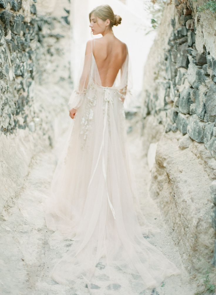 Delicate romantic wedding gown with spectacular back | Greek Wedding inspirations