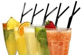 drinks colorati alla frutta mista