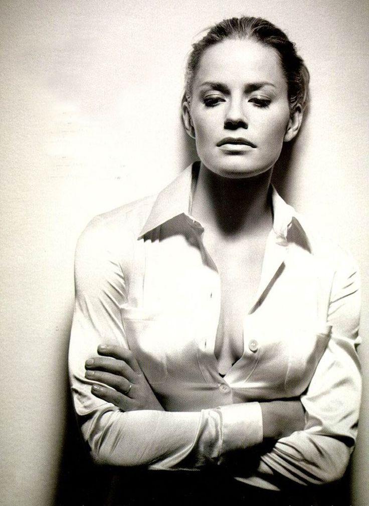 Elisabeth Shue, por Matthew Rolston, 1996 #celebrities