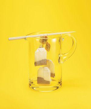Use chopsticks to brew iced tea. #newuse