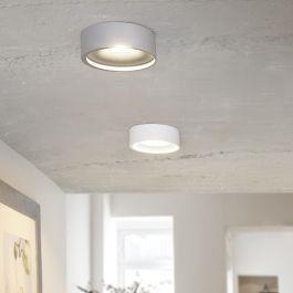 <p>Der schlichte und zugleich moderne LED Deckenstrahler Orlando eignet sich für die verschiedenste Bereiche in privaten aber auch gewerblichen Räumen. Das zeitlose Aluminiumgehäuse drängt sich nicht in den Vordergrund und konzentriert sich auf die gleichmäßige Ausleuchtung der Räumlichkeiten. Die verbaute LED Technik spendet mit einer Leistung von 13 Watt genügend Licht und verbraucht dabei nur sehr wenig Strom. </p>