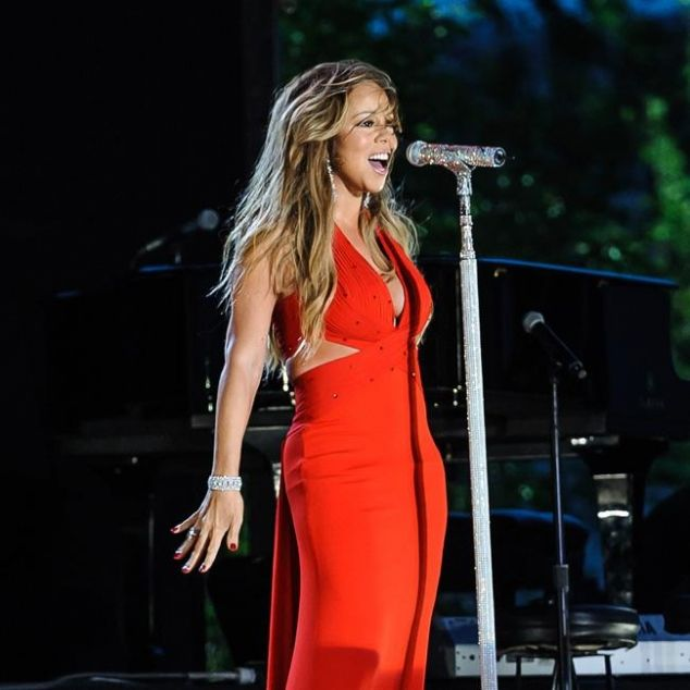 "Mariah Carey: Mariah's diet includes plenty of fish and when she's trying to lose weight she eats lots of soup, saying: ""It sounds boring but it really works!"""