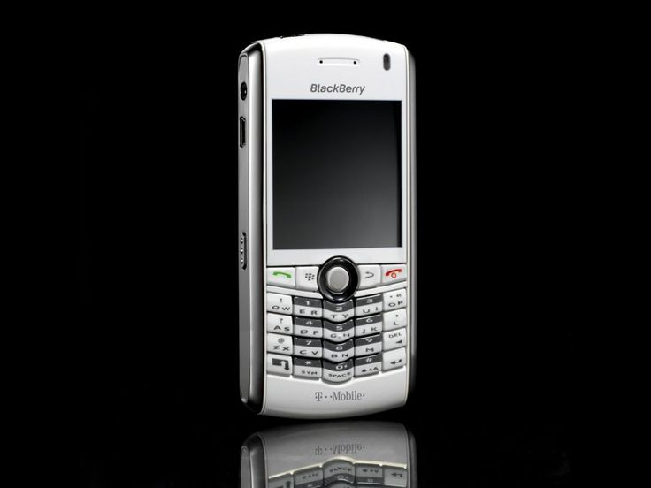 T-Mobile scoops white BlackBerry Pearl | The BlackBerry has just gotten more stylish with the release today of a white version of RIM's BlackBerry Pearl messaging mobile exclusively on T-Mobile in the UK Buying advice from the leading technology site