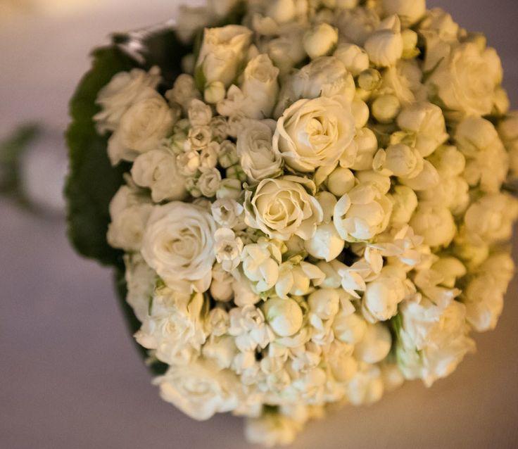 www.italianfelicity.com #bouquet #white #roses
