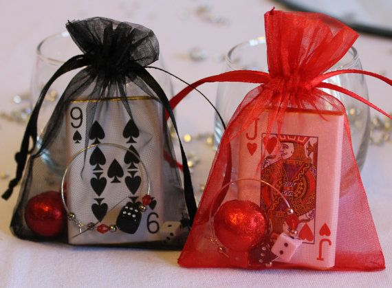 Red/ Black Casino Organza favours with charms and by Eventhemes