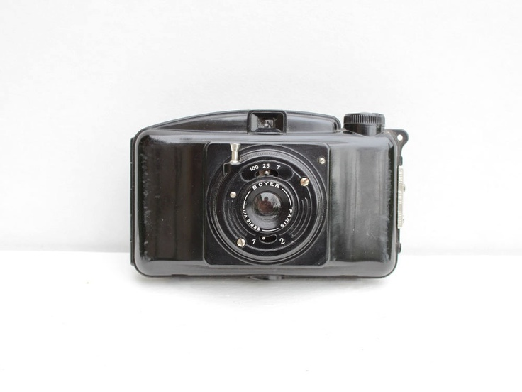 French Photax III camera: Bakelite camera from the 40's