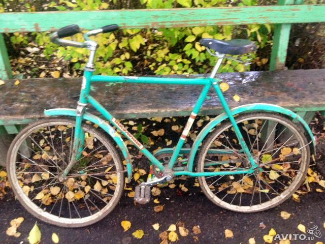 I had a green Skolnik bike like this when I was about 8 years old. It was a bit cooler than the bikes at that time mainly rode in villages. Source of photo: avito.ru