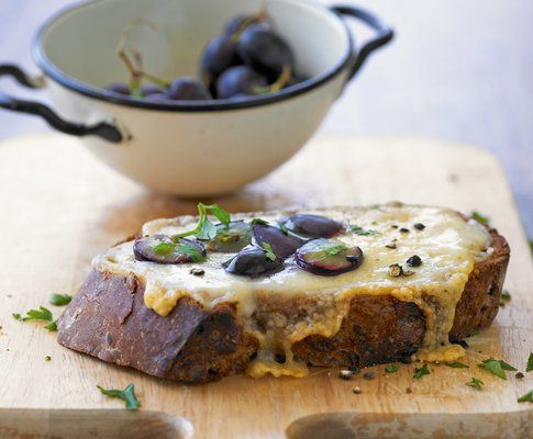 Käseschnitte mit Trauben - Rezept - Saisonküche