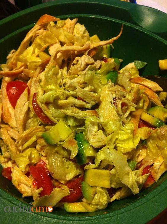 Insalata di pollo e avocado   CuciniAmO