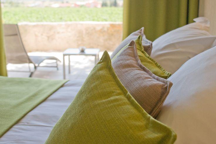 Chambre grand confort vu sur les vignes.