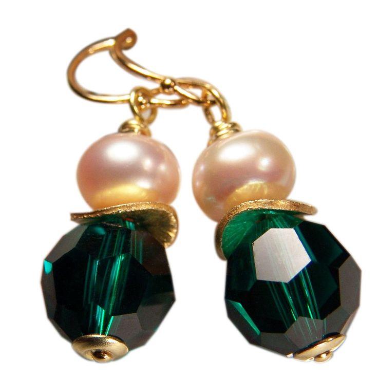 Ohrring Klassiker mit Perle. Smaragdgrün   Perlotte Schmuck