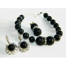 Elegant shungite costume jewellery set is the great addition for classic dress or business suit. It ensures you infallible E-field radiation protection and attractive appearance.