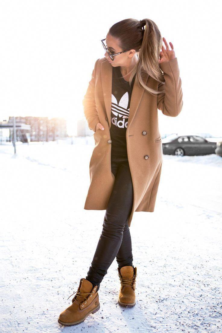 Timberland Stiefel Styled Outfit Brauner Mantel Sportlich Timberlandbootsoutfits Stylish Winter Outfits Timberland Outfits Women Timbs Outfits