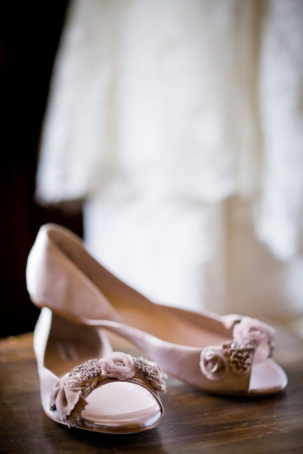 Bezaubernde flache Brautschuhe