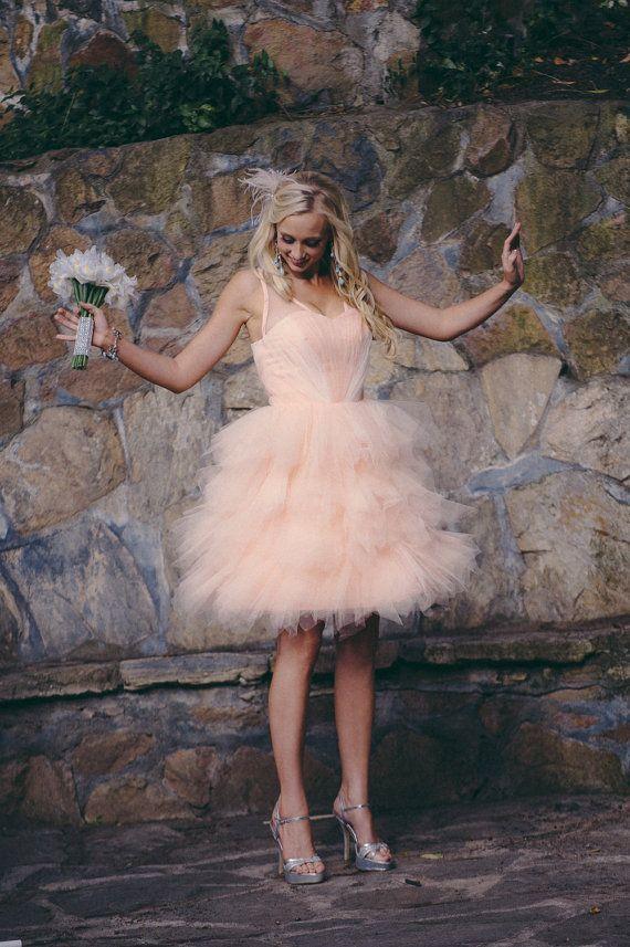 やっぱり可愛い♡ピンクのミニ スカート ウェディングドレス・カラードレス・花嫁衣装のまとめ一覧♡