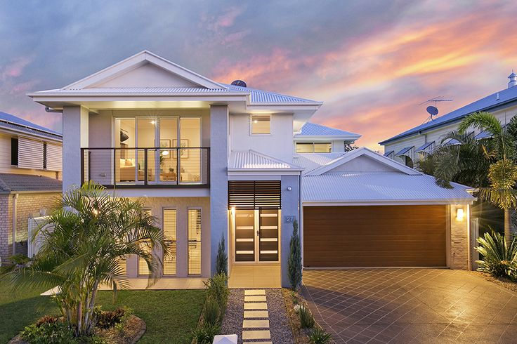 TINGALPA 27 Vera Place...Architecturally designed by McCarthy Homes, this custom-built residence exudes style and sophistication.