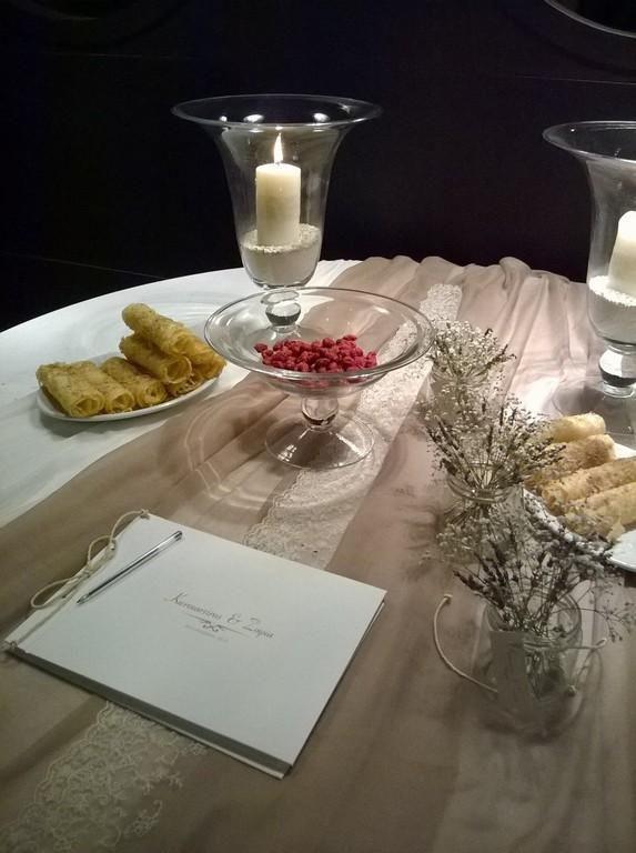 craft room - γάμος, βάπτιση, διακόσμηση: τραπέζι ευχών με λεβάντα και δαντέλα