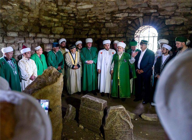 Мусульмане почтили память имама Хусейн-бека