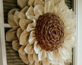 Artículos similares a Rustic Burlap Daisy Flower Set of 12 - Home Decor - Embellishment - DIY - Weddings en Etsy