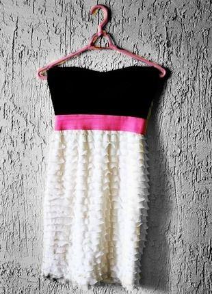 #Vinted http://www.vinted.pl/kobiety/krotkie-sukienki/6564211-sukienka-bandazowa-tally-weijl-gorsetowa-dekolt-serce-falbanki