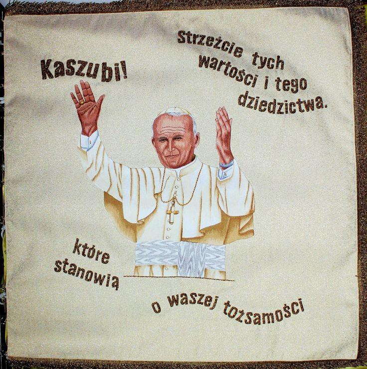 Sztandar z słowami skierowanymi do Kaszubów