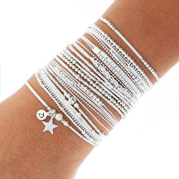 Wrist Wrist - Bracelets / Our