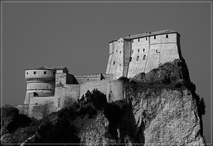TOURISM in The Marches Region – ITALY - SAN LEO - La Rocca - © Copyright Photo Piero Evandri - www.italiamarche.com