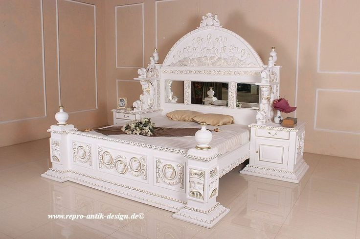 barock bett antik louis xv wei gothicbett k nigsbett barockbett prunkbett neu so wie man sich. Black Bedroom Furniture Sets. Home Design Ideas