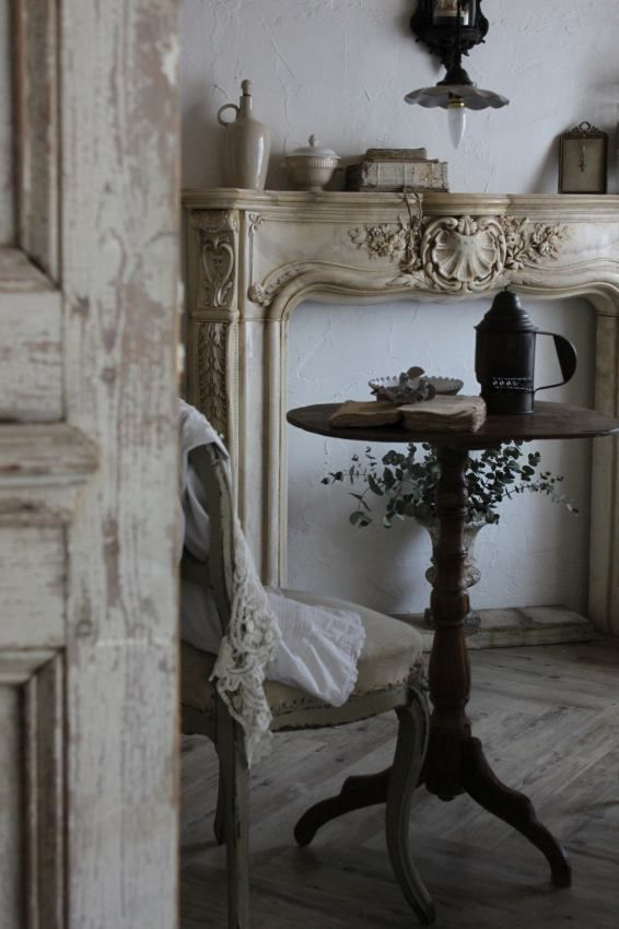 Vintage French Soul ~ Simply LOVE the fireplace surround waiting to be adorned with every lovely thing!
