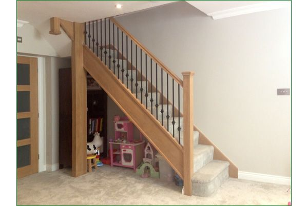 Spicer Street Staircase - American White Oak Staircase with whitewood treads and ply risers with a feature bullnose tread.