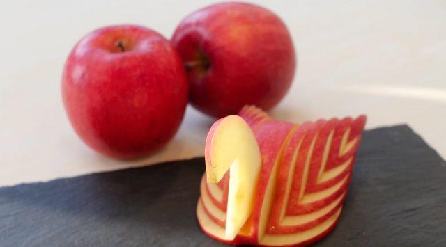 りんごの飾り切りアップルスワンをマスター動画で作り方をご紹介します