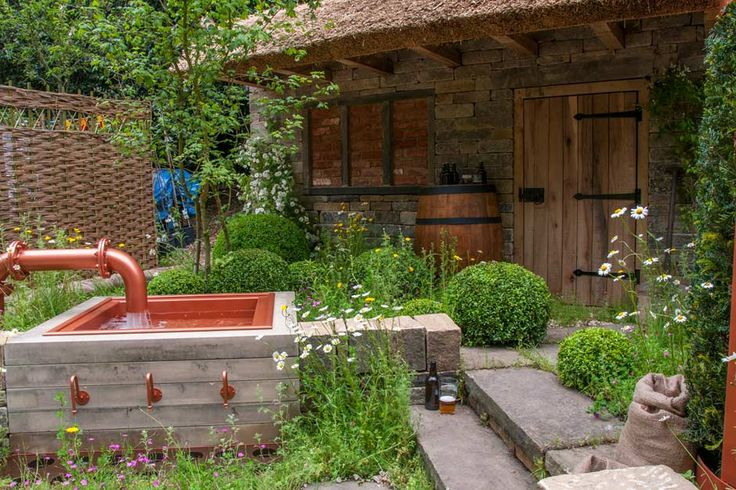 #Box #topiary balls look fantastic in The Welcome to Yorkshire Garden at the RHS Chelsea Flower Show 2015 / RHS Gardening