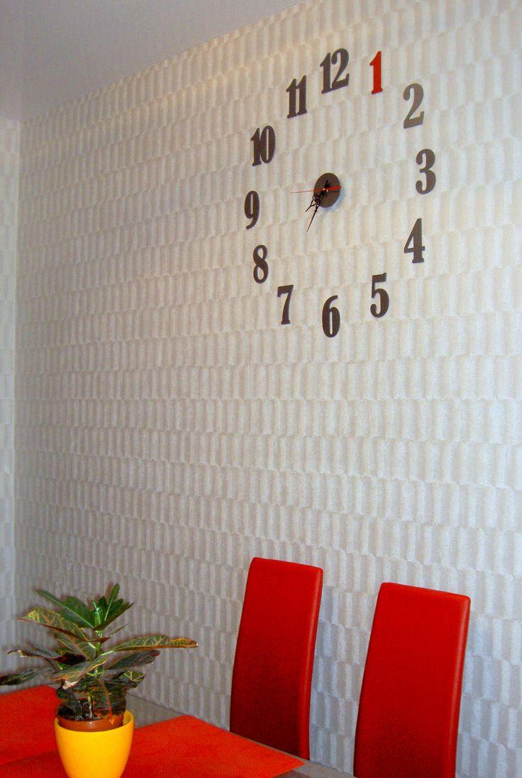 большие часы украсят стену