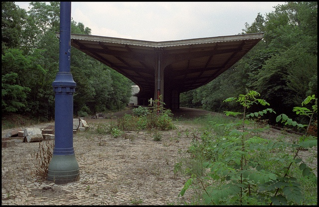 Deserted S-Bahn station Pichelsberg, Berlin 1989. Now back in use by the S75 and the S9