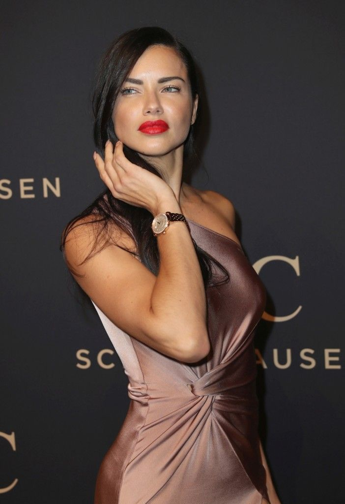"""I prefer men's watches and love boxing"", Adriana Lima http://timeby.date/i-prefer-mens-watches-and-love-boxing-adriana-lima/ #watchaddict #luxury #watchporn #watchmania #watchnerd #instawatch #horology #watchesofinstagram #dailywatch #luxurywatch #montre"