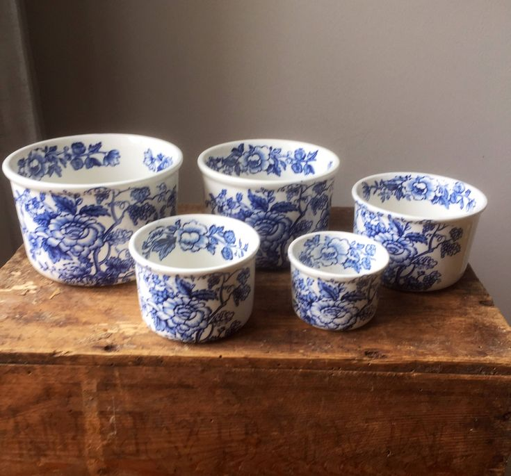 Enoch/wedgewood /Windermere /blue and white/blue unicorn/nesting bowls/measuring bowls by WifinpoofVintage on Etsy