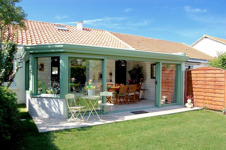 Salle à manger ouverte sur le #jardin - #véranda # ...