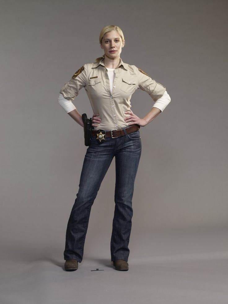 Katee Sackhoff as Victoria 'Vic' Moretti (her best role since Starbuck)