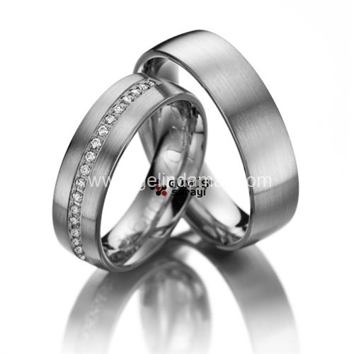 Alyans Sarayı / Daha fazlası için  www.gelindamat.com #alyansmodelleri #yüzük #gümüş #altın #weddingrings #bride #wedding #düğün #takı #düğüntakısı #evliilik #alyans #2016 #dubai #tektaş #beştaş #nişan #söz #silver #gold #jewelry #adorable #admiration #fashion #altınkolye #elmas #pırlanta #tamtur #shopping #takı #mücevherat #sanat #kişiyeözelalyans