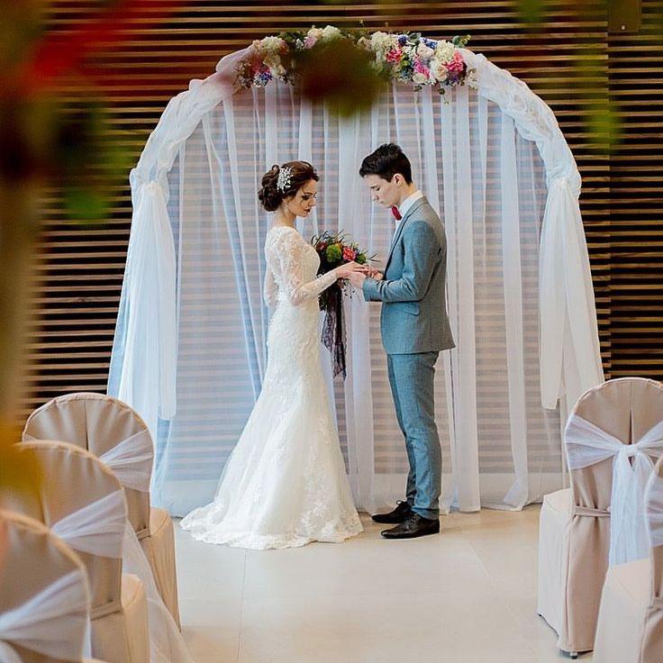 Планируйте свою идеальную свадьбу заранее! Роскошный банкет на 100 персон или изысканная выездная церемония в узком семейном кругу… В итальянском отеле #DominaNovosibirsk индивидуально для вас создают события любых масштабов! Наша опытная свадебная фея составит для вас меню и возьмет на себя все хлопоты по организации торжества на #Ленина26. Она ждёт вашего звонка: (383)319-85-55…