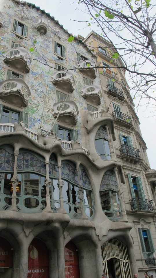 Gaudi architecture places pinterest for Architecture gaudi