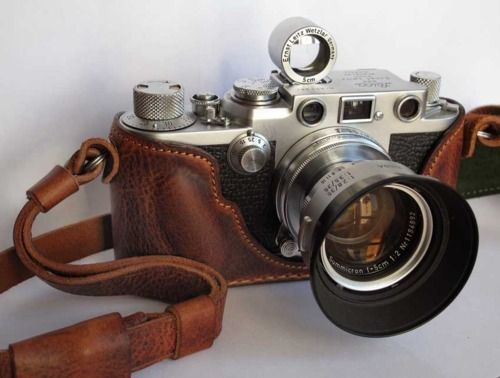 Leica: Old Schools, Old Camera, Cream Pies, Vintage Camera, Learning Photography, Beautiful, Leica Camera, Random Stuff, Leather