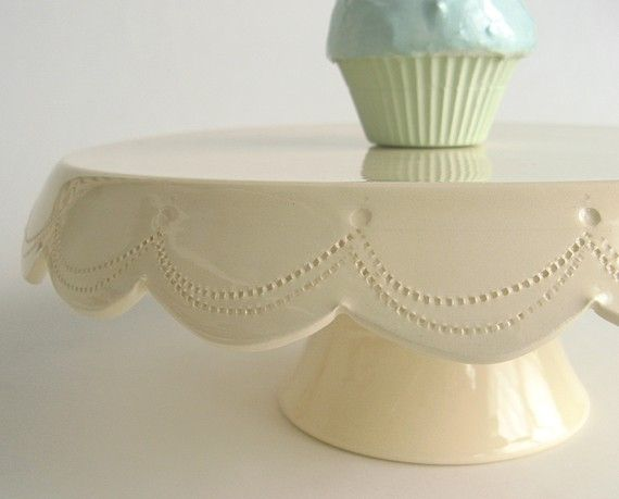 Cake stand with stitching in vanilla cream 10 inch cake for Beautiful cake stands