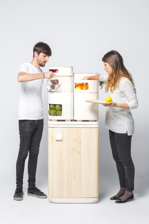 Clever refrigerator uses waste heat, clay to preserve veggies (Video) : TreeHugger It may sound surprising, but the best place for preserving your fresh fruits and veggies may actually be outside of the refrigerator -- where they will taste better, last longer and cost less in terms of energy bills.  Spanish industrial designer Fabio Molinas combines the waste heat of a conventional fridge with water and clay vessels to cool perishables.