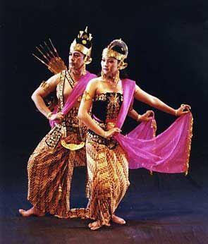 Ramayana Ballet (Yogyakarta, Indonesia) - this classical Javanese drama-dance, accompanied by gamelan music, tells the legendary story of Rama and Shinta.