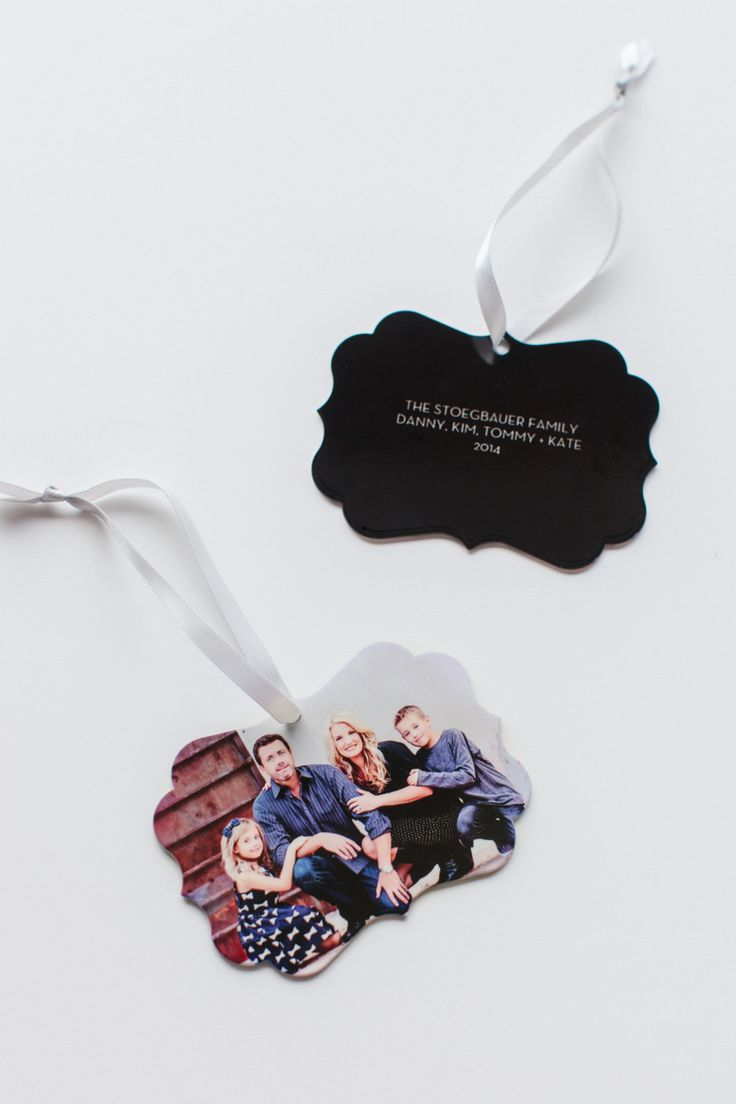Love these @shutterfly metal ornaments! Enter to WIN a $200 gift card here: http://www.thetomkatstudio.com/2014-christmas-cards/