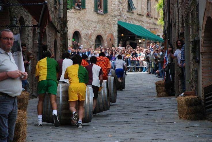 corsa delle botti (wijnvatenrace)